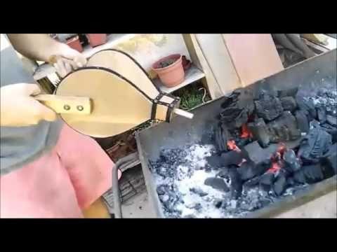 FUELLE PARA AVIVAR EL FUEGO (soplar carbón o madera) - YouTube