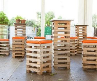 DIY Pallet Bar Stool Chairs with Padded Seat via http://diypallets.com