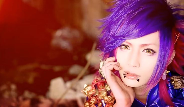 "LONDBOY will release their new maxi single ""iris""on March 9th! Here is the full PV! Please see more details about the single here! LONDBOY Debut: October 13th 2015           Vocal: ROY Guitar: rio …"