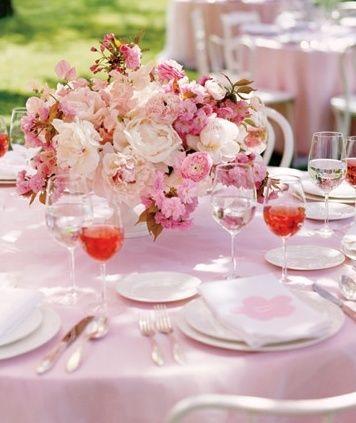 桜を使ったカクテルはゲストにも喜ばれそう♪ 桜の時期の披露宴・二次会・1.5次会のアイデア☆
