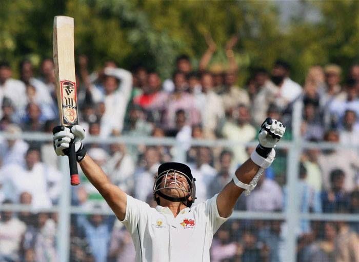Play like a Warrior..  Celebrate Like a Lion...  King of Cricket  This is Style of Sachin Ramesh Tendulkar _/\_