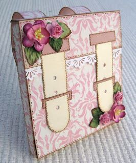 http://stampartic.blogspot.com/2009/07/petras-bagcard-tutorials.html