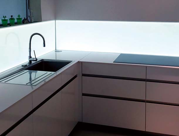25+ ide terbaik küchenrückwand glas di pinterest | küche ... - Küche Fliesenspiegel Plexiglas