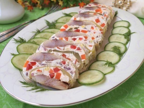 Фаршированная сельдь - это отличная закуска, которая получается очень вкусной, нежной и, конечно же,