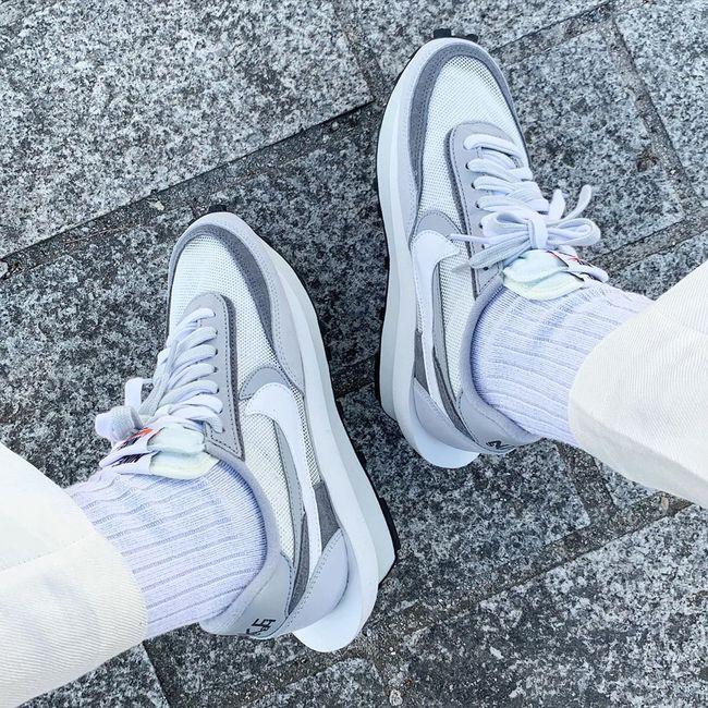 White & Grey en 2020 | Chaussure jordan fille, Chaussure