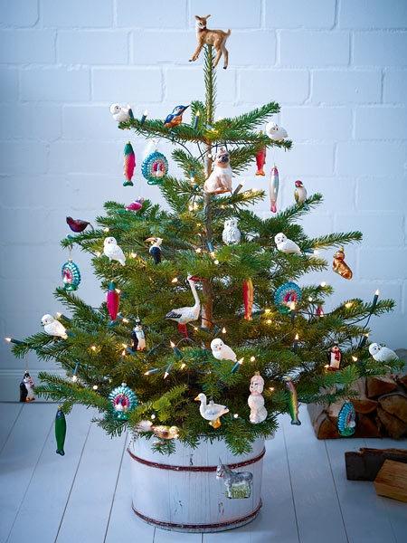 Weihnachtsbaum im topf schmucken
