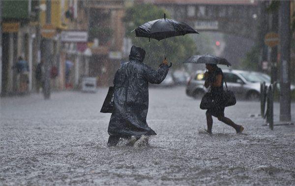 Az Országos Meteorológiai Igazgatóság (ANM) az ország egész területére figyelmeztetést adott ki egészen csütörtök estig.http://ahiramiszamit.blogspot.ro/2017/09/az-orszagos-meteorologiai-igazgatosag.html