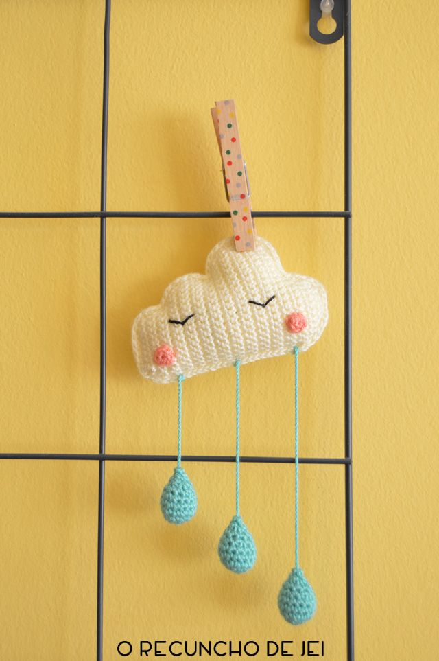 ¡Hola crochetos! Estamos a las puertas del fin de semana, así que os traigo un proyecto ganchillero del cual no os vais a poder resist...