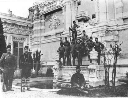 Soldiers around fountain – Yildiz savay in 1909, after the deposition of Abdul Hamid II