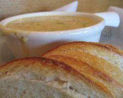 Сырный суп является отличной идеей для сытного обеда. Особенно, если подать его с салатом из свежих огурцов или помидоров с зеленью. Суп с гренками не частый гость на наших столах, как, например, суп...