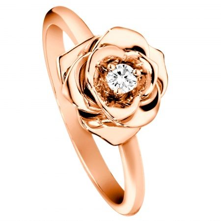 Just look at this. A rose rose gold ring. How clever.