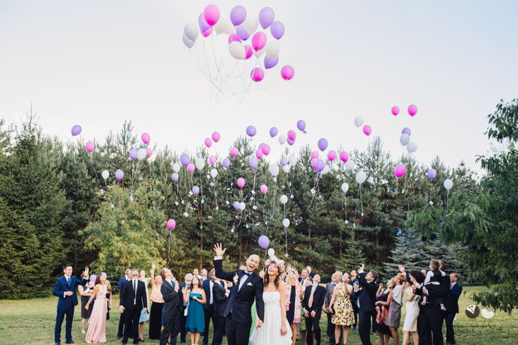 #wedding #weddinglocation #weddinggroupphoto #groupphoto #pastelwedding #baloons #pastelbaloons #smile #love #bajkowesluby #polishwedding #reception
