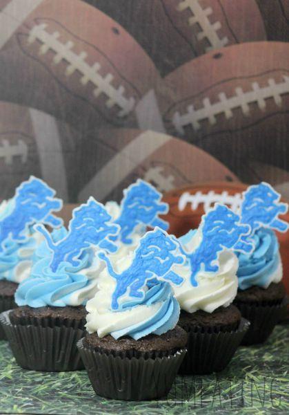 Detroit Lions Chocolate Cupcakes #Detroit #Football
