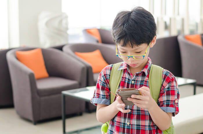 Je kind Chinees leren? Ik maak ze lekker met wat leuke apps! Aangezien mijn kinderen half Chinees zijn vind ik het belangrijk dat ze deze taal ook meekrijgen. Ik heb een aantal leuke tips voor je als je jouw kinderen ook wat mee wilt geven! http://www.mamsatwork.nl/kind-chinees-leren-apps/
