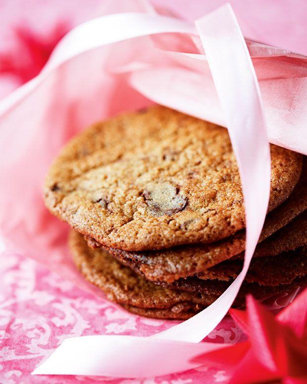 Sprøde kanelcookies med nødder og chokolade