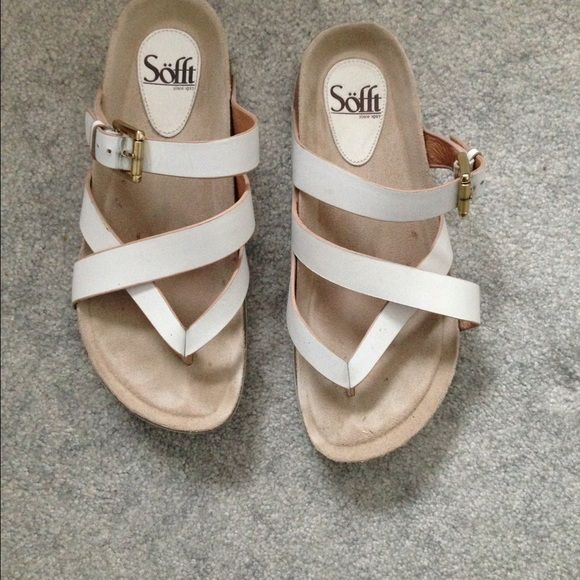 Sofft sandals Sofft white sandals. If you like Berks you might like these. Good Arch support. Leather upper lining sock. The rest man made materials. Sofft Shoes Sandals