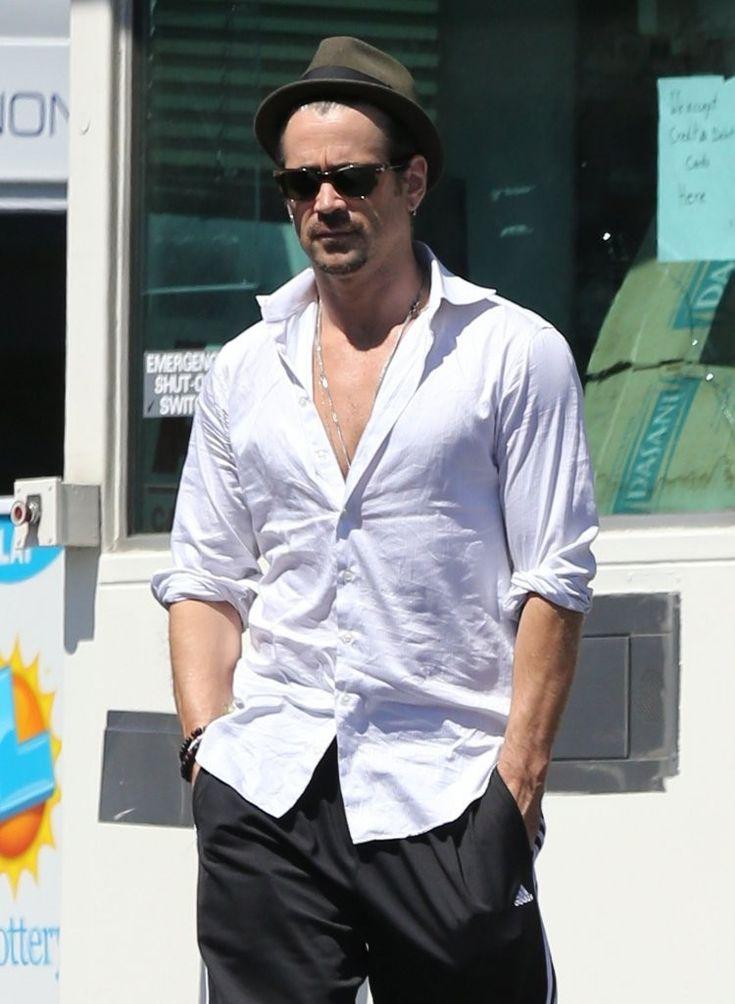 Colin Farrell - Colin Farrell Gets Gas in Los Feliz