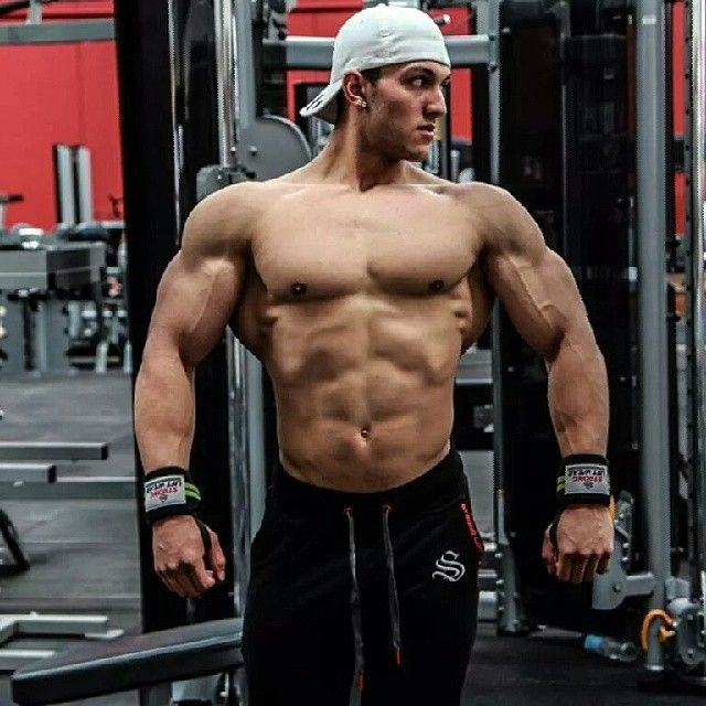 Young Nathan Roe looking unreal in preparation for his comp this weekend! featured Training Pants available from www.strongliftwear.com!
