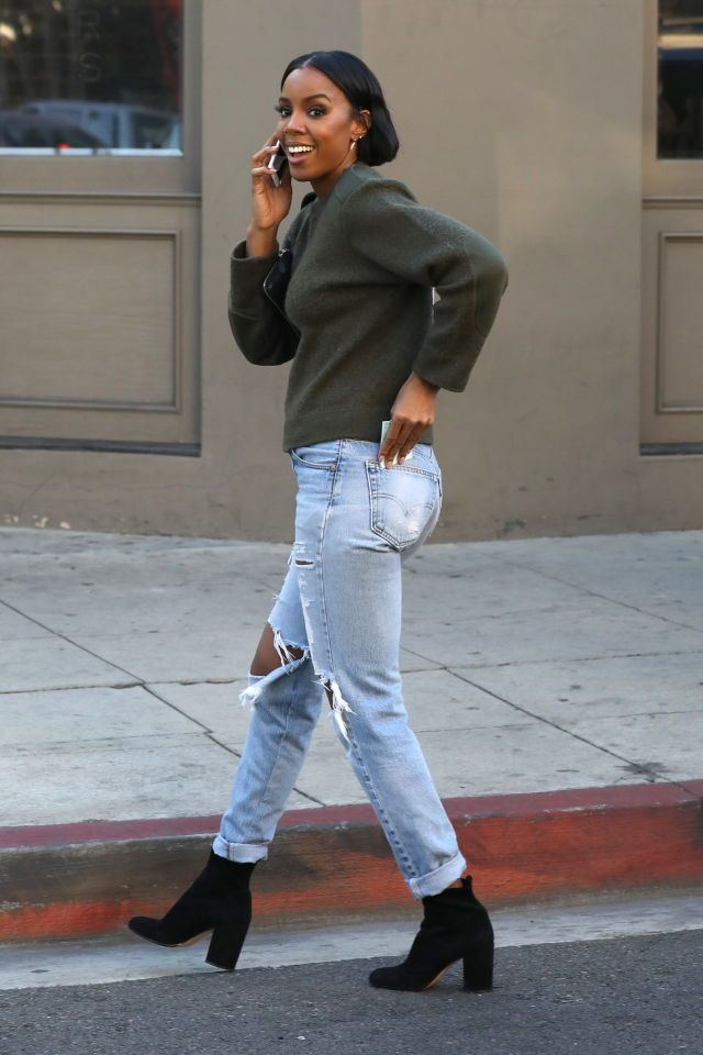 Kelly Rowland out in Beverly Hills