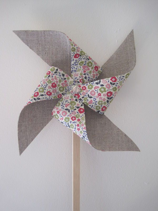 Windmill (I like the contrast between the plain linen and Liberty print) | Poetic Poesie