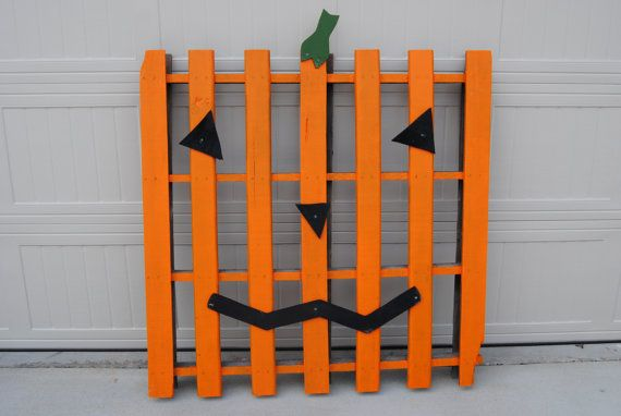 Wooden Pumpkin Pallet on Etsy, $35.00