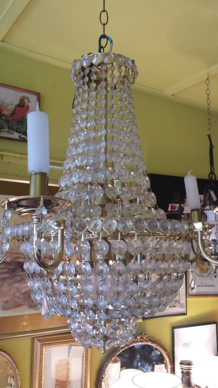 Such a Beauty! Stunning Chandelier - beautifully designed, beautifully constructed. Made in the UK and just off the boat in NZ, still in perfect condition.