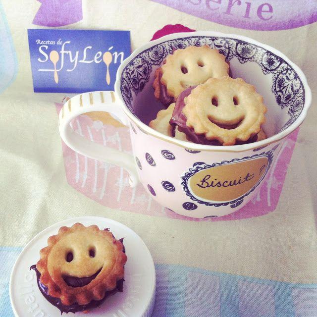 """Las recetas de SofyLeon: Galletas """"sonrisa"""" rellenas de Nutella"""