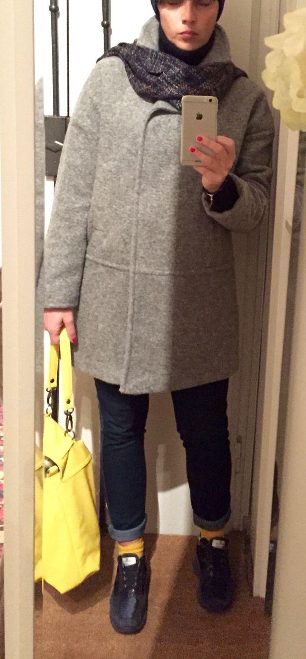 Grey cozy coat, Yellow accent