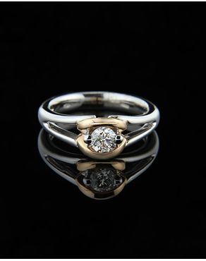 Μονόπετρο δαχτυλίδι λευκόχρυσο & ροζ χρυσό Κ18 με Διαμάντια