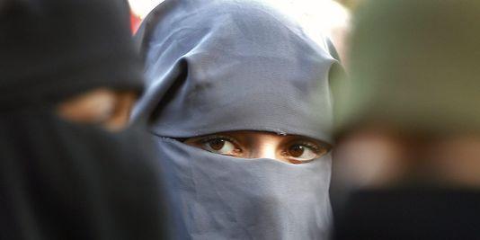 Voile islamique : la CEDH ne condamne pas la France mais émet des réserves