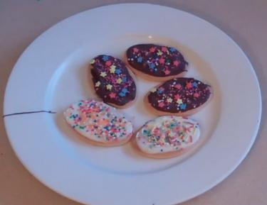 Kids Easter egg biscuits