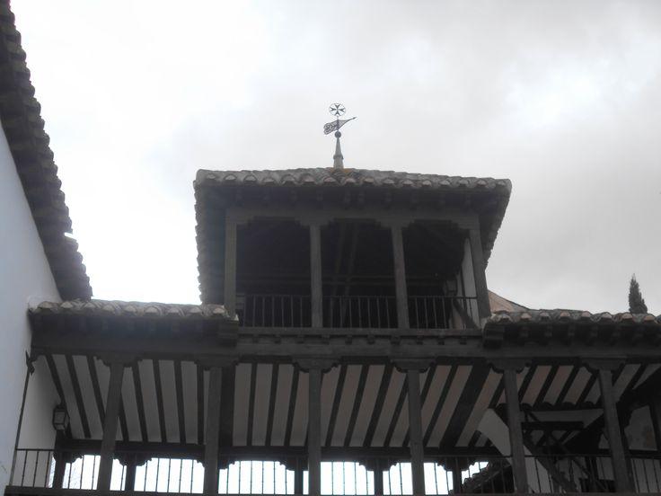 Plaza Mayor. Mirador con tejado a cuatro aguas.