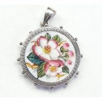 Victorian enamel locket with roses