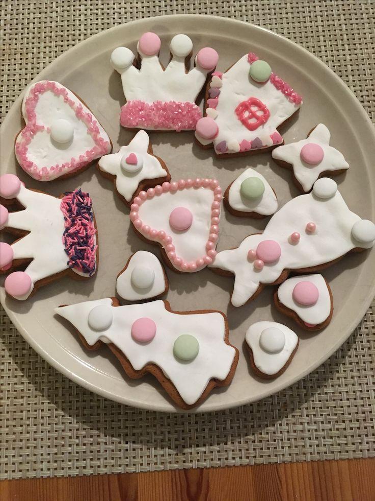 Joulu pipareita!   Vinkki: käytä sokerimassaa koristelussa😉