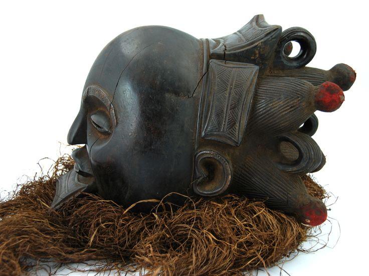 MASKA HEŁMOWA LUBA (34 CM, SZTUKA AFRYKAŃSKA, KONGO)