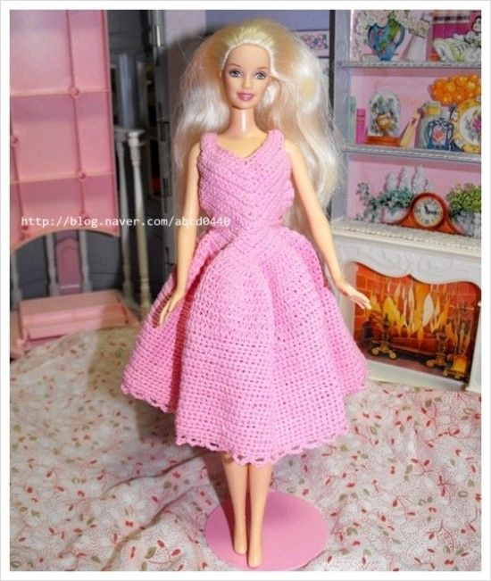 crochet : fashion doll dress 1 (http://www.lovemlb.net/)