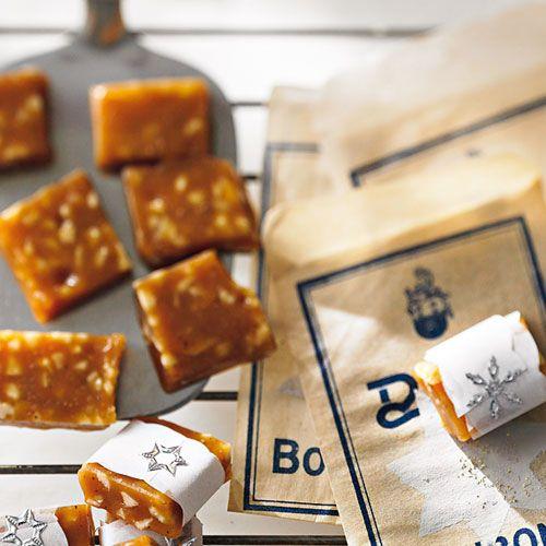 christmas baking: cashew caramel