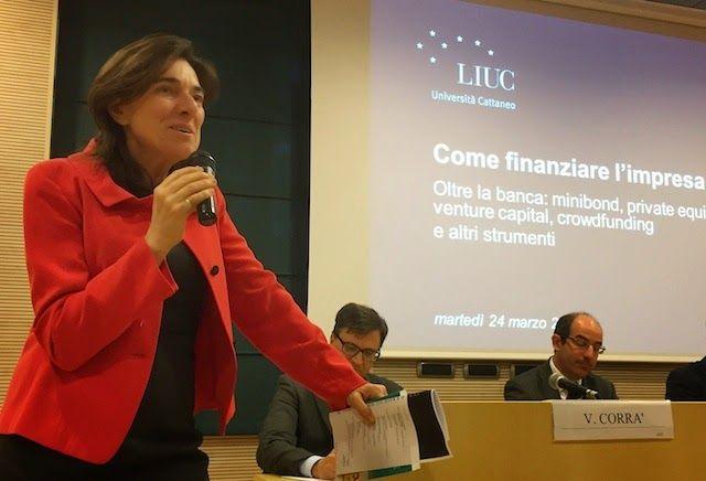 """Uno scatto della prof. Anna Gervasoni alla presentazione del suo nuovo libro """"Come finanziare l'impresa"""", avvenuta ieri alla LIUC - Università Cattaneo  #liuc #gervasoni #finanza"""