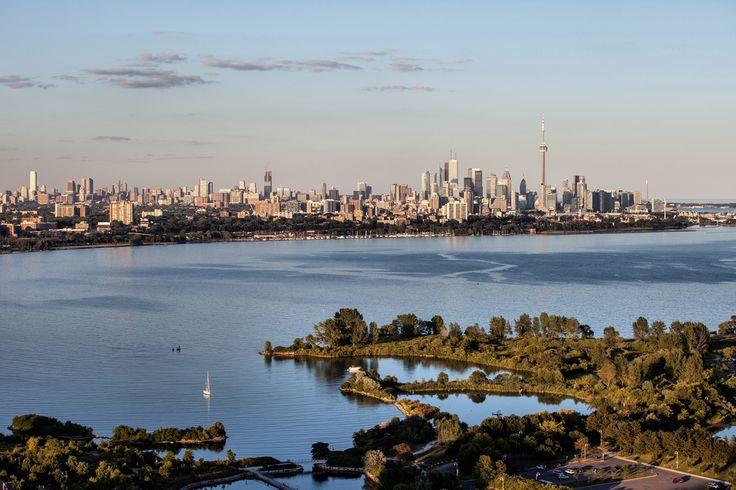 Toronto City by the lake