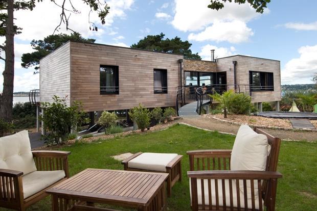 Modern Honka Fusion home in Bretagne, France. Honka log homes.