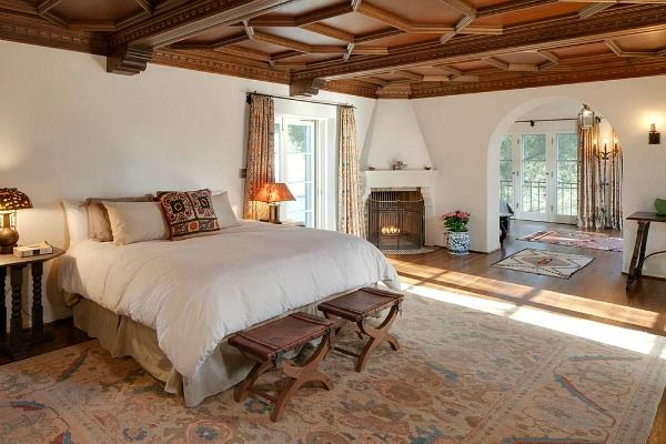 Daydreaming romantic la collina ranch in ojai for Master bedroom corner fireplace