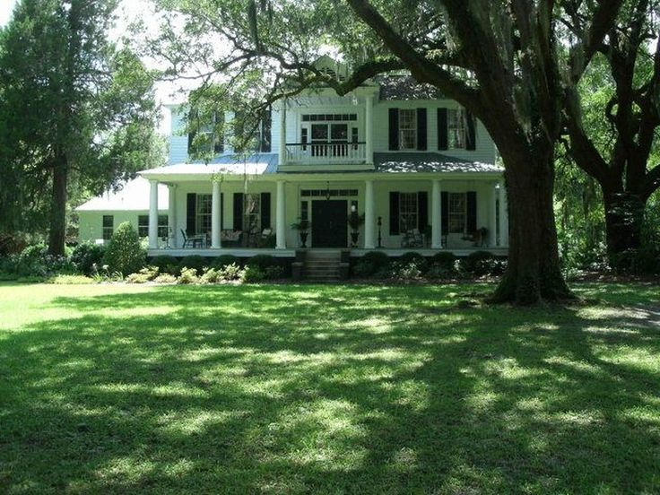 1830 Antebellum The Farnum House in