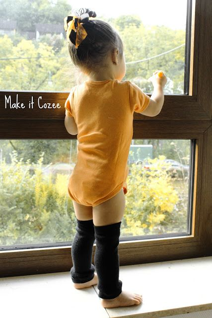 Make it Cozee: Tutorial: Toddler Leg Warmers from Daddy's Socks