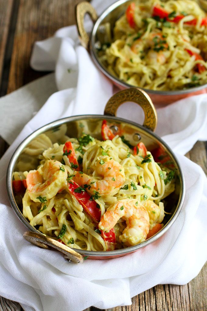 Avocado Curry Rice Noodles with Shrimp…Creamy, a little spicy and so tasty! 247 calories and 7 Weight Watchers SmartPoints | cookincanuck.com -