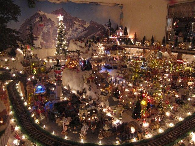 christmas village displays | Miniature Christmas Village Displays | ... | Christmas Village Ideas: Miniatures Christmas, Christmas Displays, Miniature Christmas, Christmas Villages, Display Ideas, Christmas Decor, Department 56, Christmas Village Display, Village Ideas