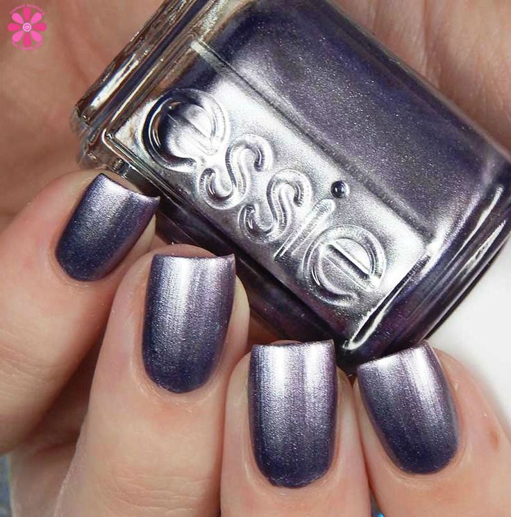 Essie Fall 2017 Collection Swatches and Review, Essie Fall 2017 Cremes, Metallics and Shimmers, Mainstream Fall 2017 Collection