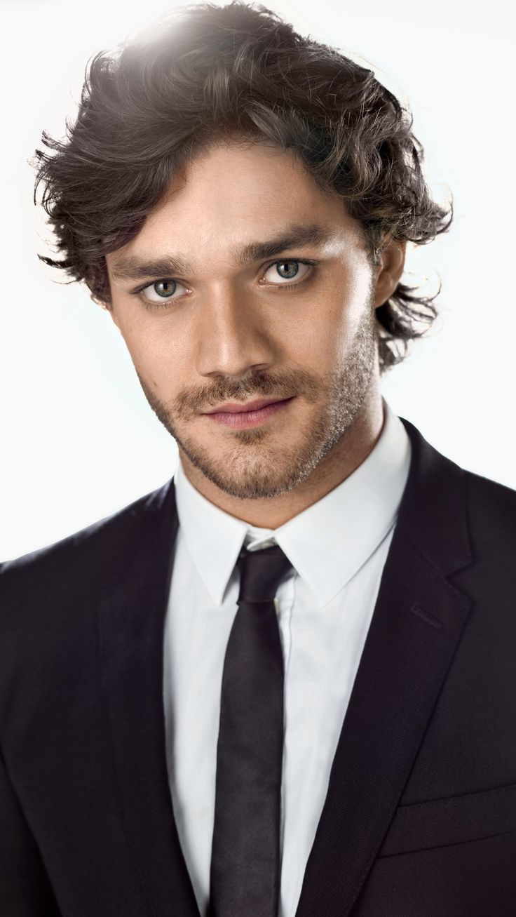 Lorenzo Richelmy....those eyes!