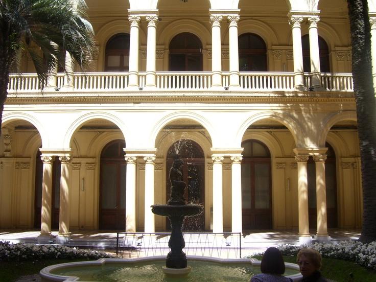 Patio Interno Casa Rosada. HERMOSO