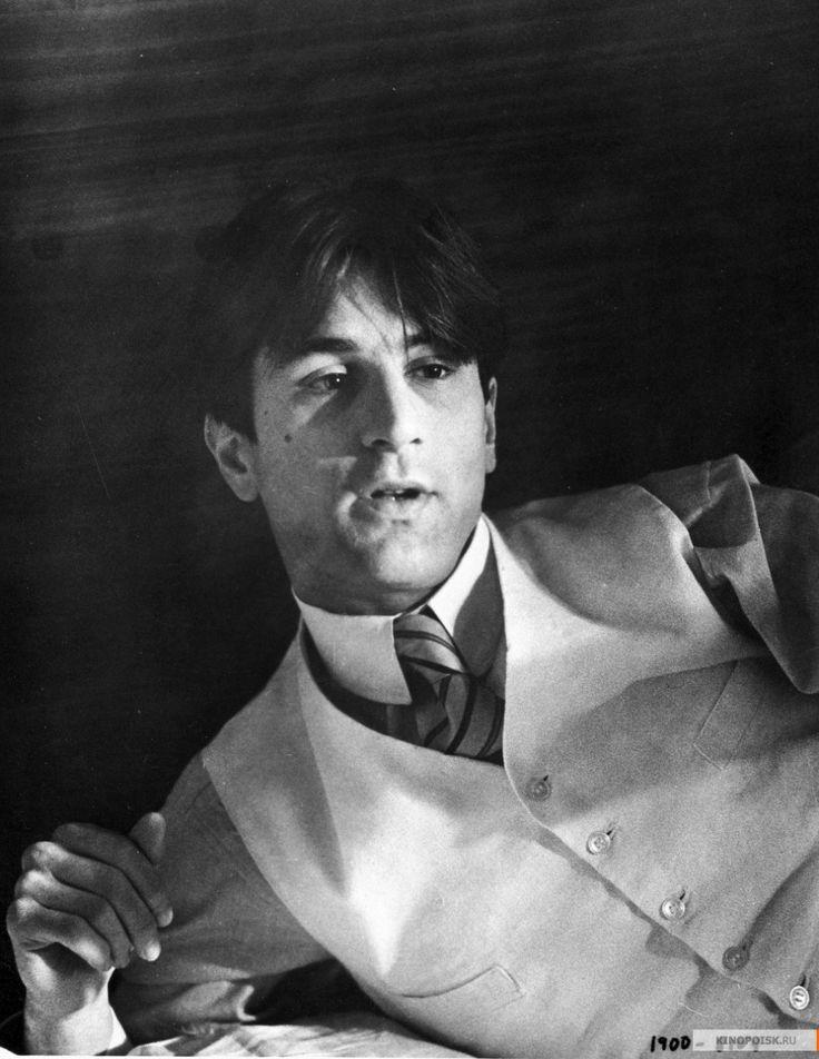 """Роберт Де Ниро на съемках фильма """"Двадцатый век"""". 1976 год."""