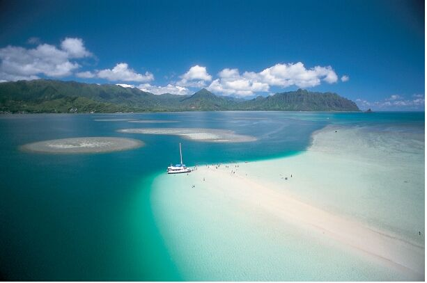 Kaneohe Bay Sandbar - Just gorgeous place to swim and play all day!b.org/travelpro/images/OVBImage-SandBarKaneoheBay.jpg